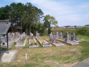 神戸市西区にある墓地、岩岡宮近墓地